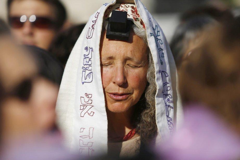 Un grand groupe de l'association «Femmes du Mur»,... (PHOTO AMIR COHEN, REUTERS)