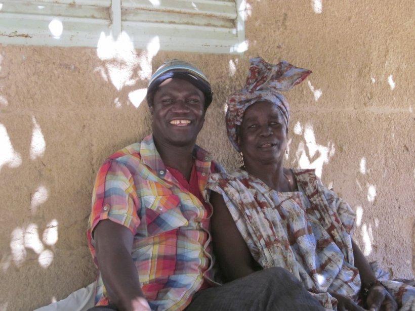 Boucar Diouf avec sa mère, NDew Diouf.... (Photo fournie par l'auteur)