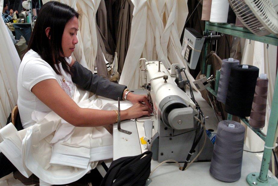 Des entreprises comme les Vêtements Peerless, de Montréal,... (Photo Robert Mailloux, archives La Presse)