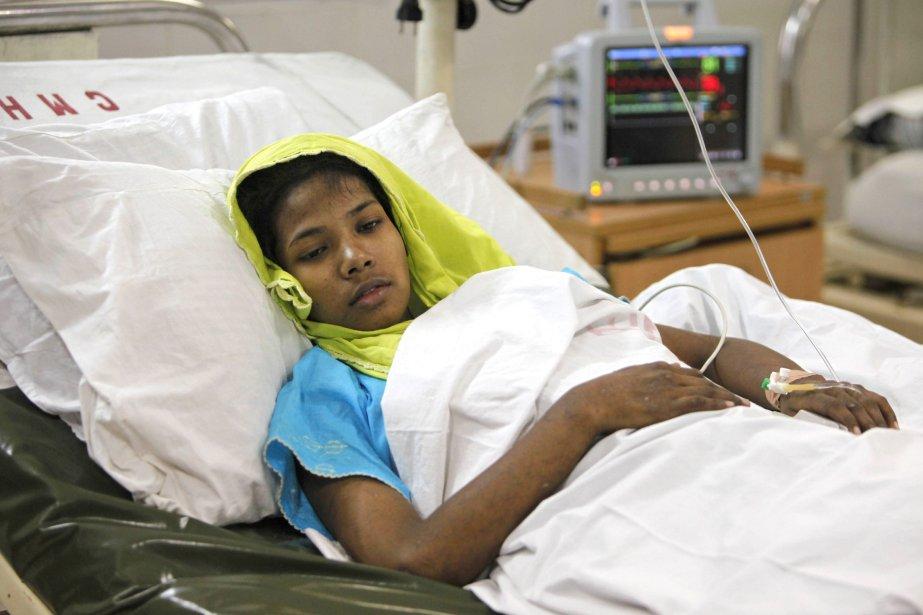Mme Begum a passé 17 jours dans un... (Photo A.M. Ahad, AP)