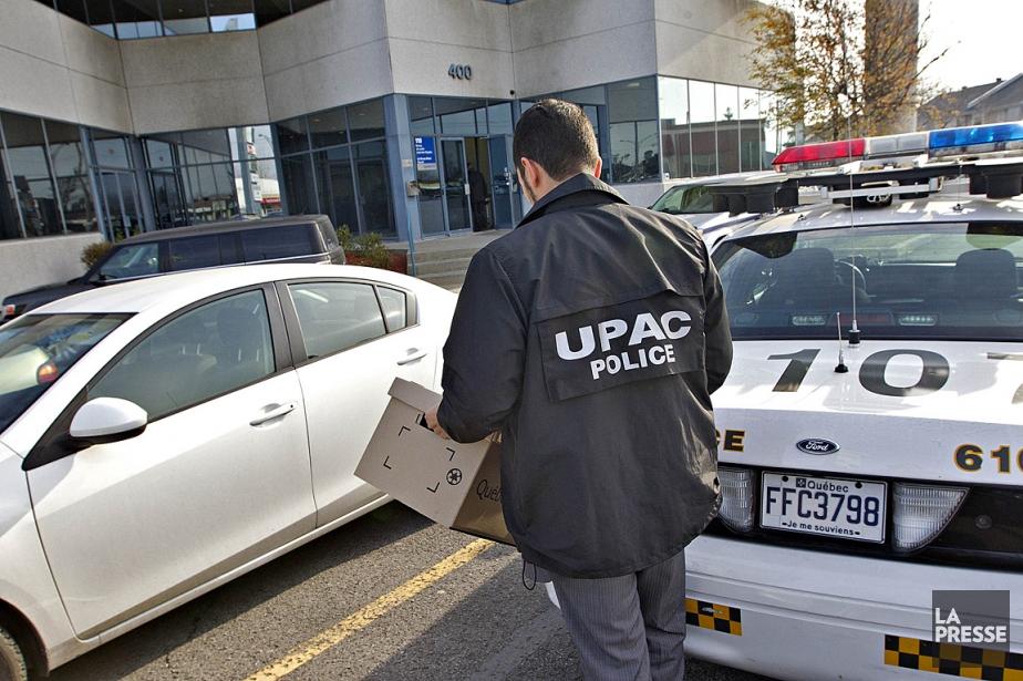 Sur cette photo de novembre 2012, l'UPAC procède... (Photos: Patrick Sanfaçon, archives La Presse)