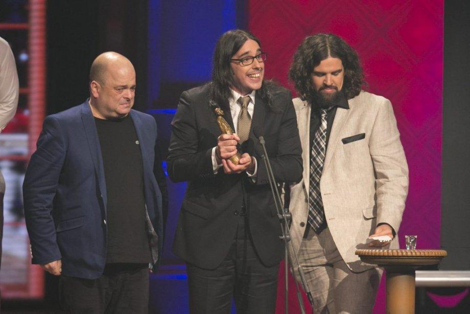 Le Prix Auteur(es) de l'année a été remis à Sylvain Larocque, Vincent Léonard et Sébastien Dubé pour le spectacle «Comme du Monde» des Denis Drolet. (Hugo-Sébastien Aubert, La Presse)