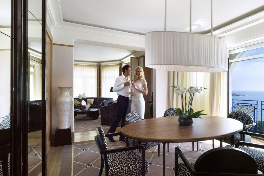 les plus belles suites de cannes france. Black Bedroom Furniture Sets. Home Design Ideas