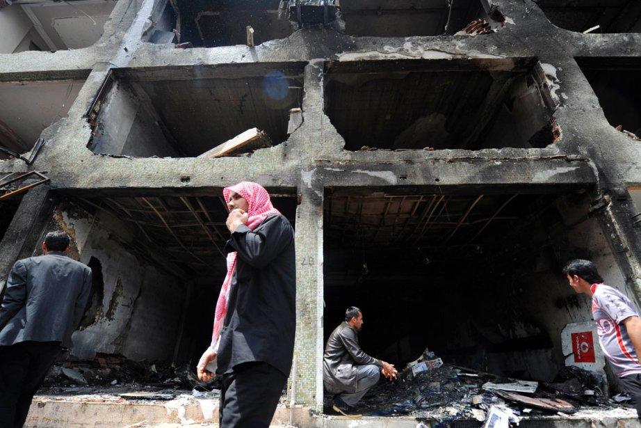 Sitôt passé le choc de la double explosion... (PHOTO BULENT KILIC, AFP)