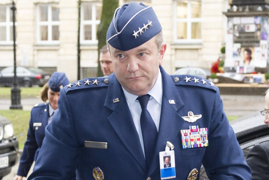 Le général Breedlove, 17e Américain à occuper le... (PHOTO MARC MUELLER, ARCHIVES AFP)