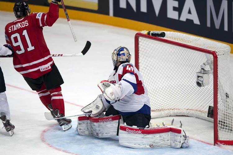 Le Canada a mis fin à son tour préliminaire au Championnat du... (Photo: PC)