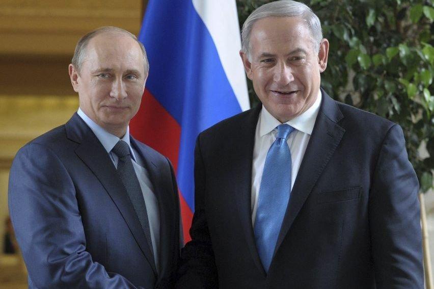 Vladimir Poutine (à gauche) et Benyamin Nétanyahou.... (Photo Agence France-Presse)