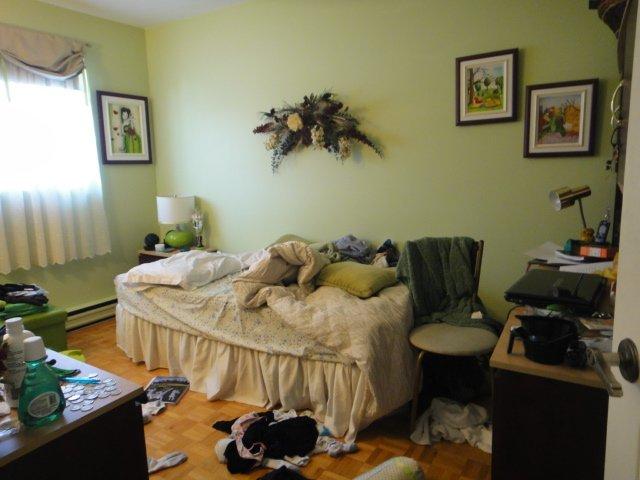 mon ado est pire que le tien judith lachapelle vivre. Black Bedroom Furniture Sets. Home Design Ideas