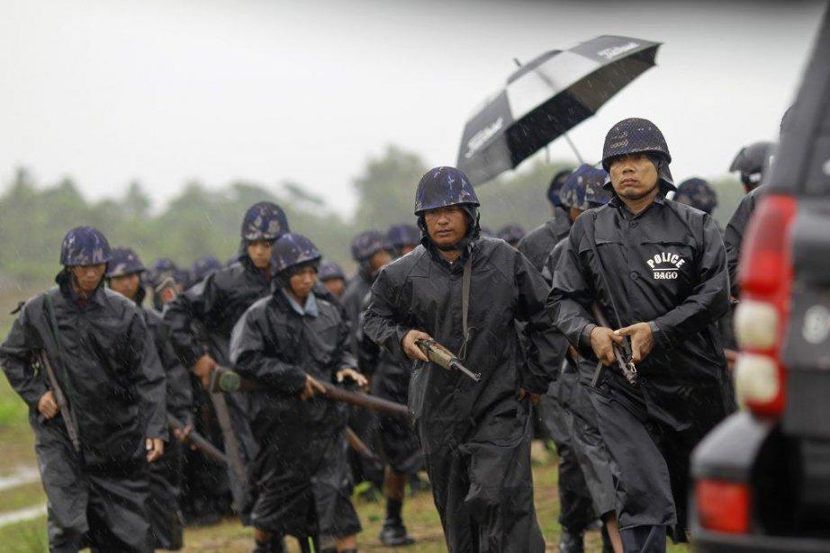 Les autorités ont commencé à reloger ces déplacés,... (Photo Soe Zeya Tun, Reuters)