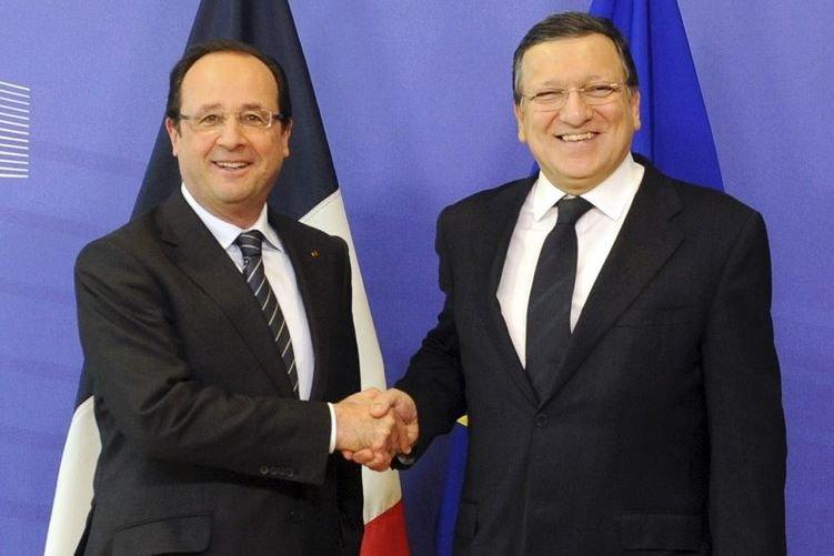 Le président français Francois Hollande et le président... (Photo Laurent Dubrule, Reuters)