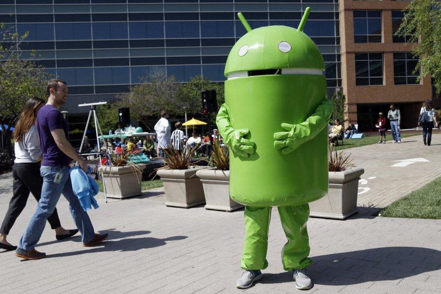 Google a fait son entrée mercredi sur le marché convoité de l'écoute de musique...