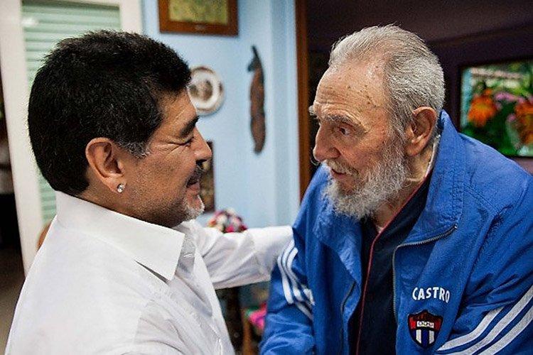 Diego Maradona a rencontré Fidel Castro à La... (Photo: Reuters)
