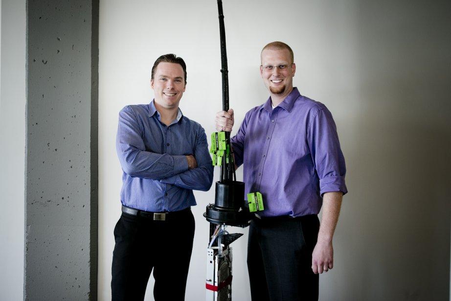 Benjamin Desmarais et Jean-François Lévesque, ingénieurs en informatique... (Photo Marco Campanozzi, La Presse)