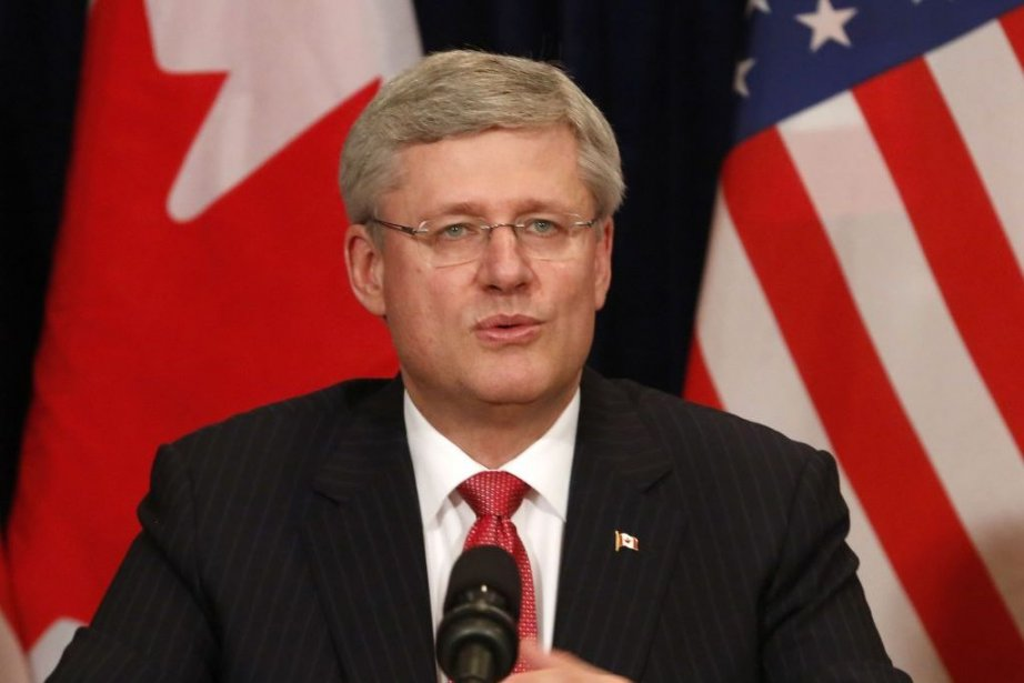 Stephen Harper en conférence à l'hôtel Waldorf Astoria... (Photo BRENDAN MCDERMID, REUTERS)