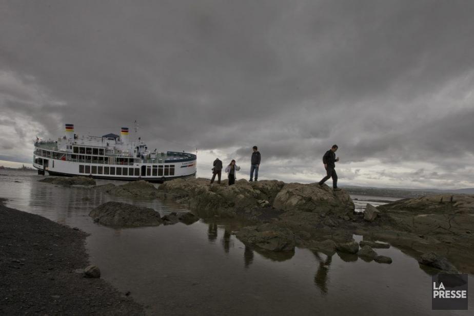 PHOTO IVANOH DEMERS/LA PRESSE2013-05-14 Un bateau de croisière...