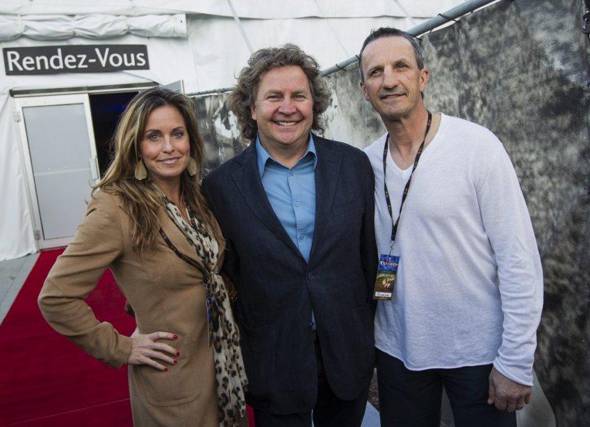 Le concepteur et producteur de Cavalia, Normand Latourelle, est entouré d'Annie Pelletier et de Guy Carbonneau. | 17 mai 2013