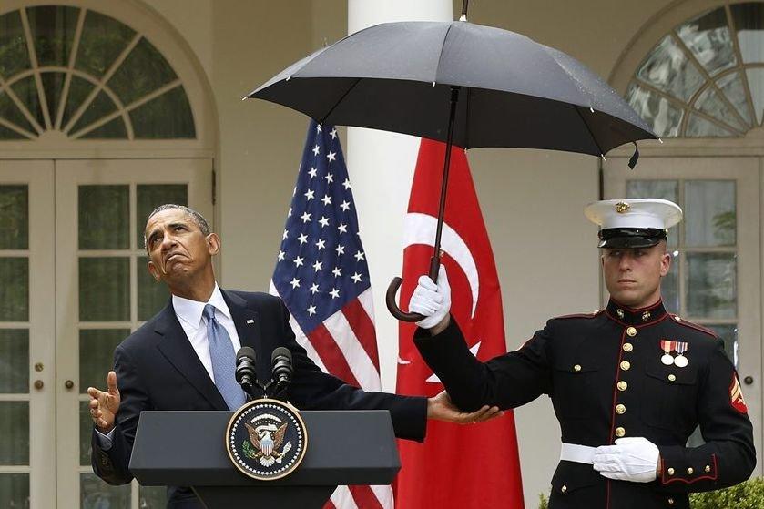 Tout juste comme Barack Obama s'apprêtait à répondrre... (PHOTO JASON REED, REUTERS)