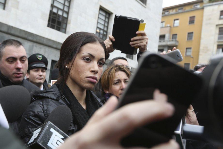 C'est une Karima El Mahroug méconnaissable qui a... (Photo : Luca Bruno, AP)