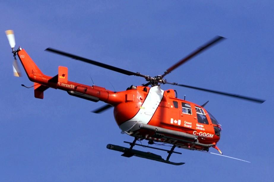 Un hélicoptère de la garde côtière canadienne.... (Archives PC)