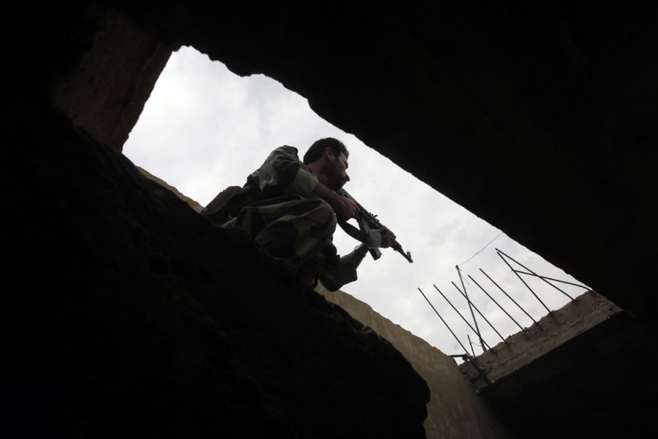 Un soldat syrien.... (PHOTO JOSEPH EID, AFP)
