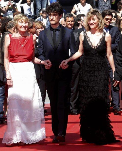 La réalisatrice et actrice Valeria Bruni Tedeschi, l'acteur Louis Garrel et la mère de Valeria Marisa Bruni Tedeschi lors de la projection du film de Tedeschi «Un Chateau en Italie», en compétition pour la Palme d'Or. | 20 mai 2013