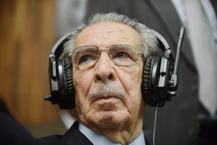 Rios Montt est le premier ex-dictateur latino-américain à... (PHOTO JOHAN ORDONEZ, AFP)