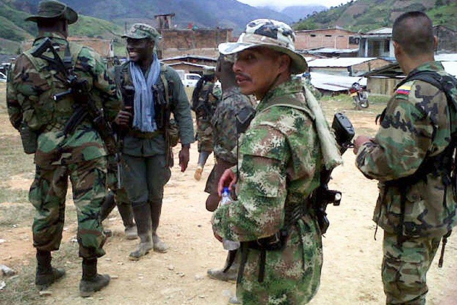 Des membres des FARC.... (PHOTO REUTERS)