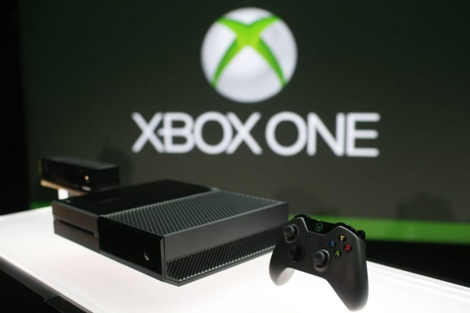 Xbox One is shown on display during a... (Photo Nick Adams, Reuters)
