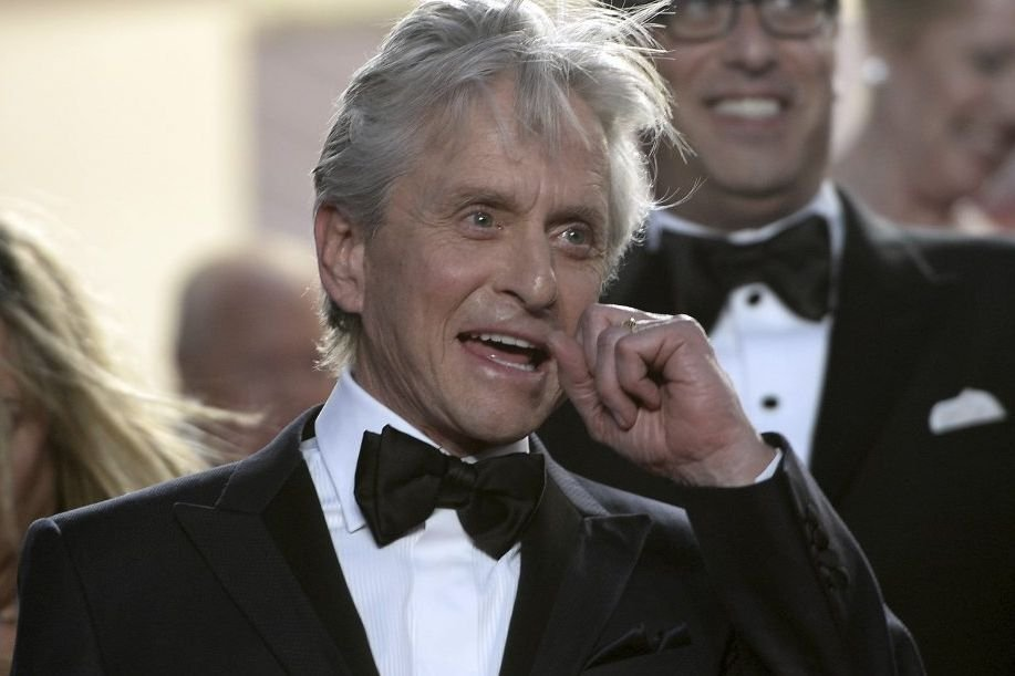 Michael Douglas sur le tapis rouge du film «Behind the... | 2013-05-21 00:00:00.000