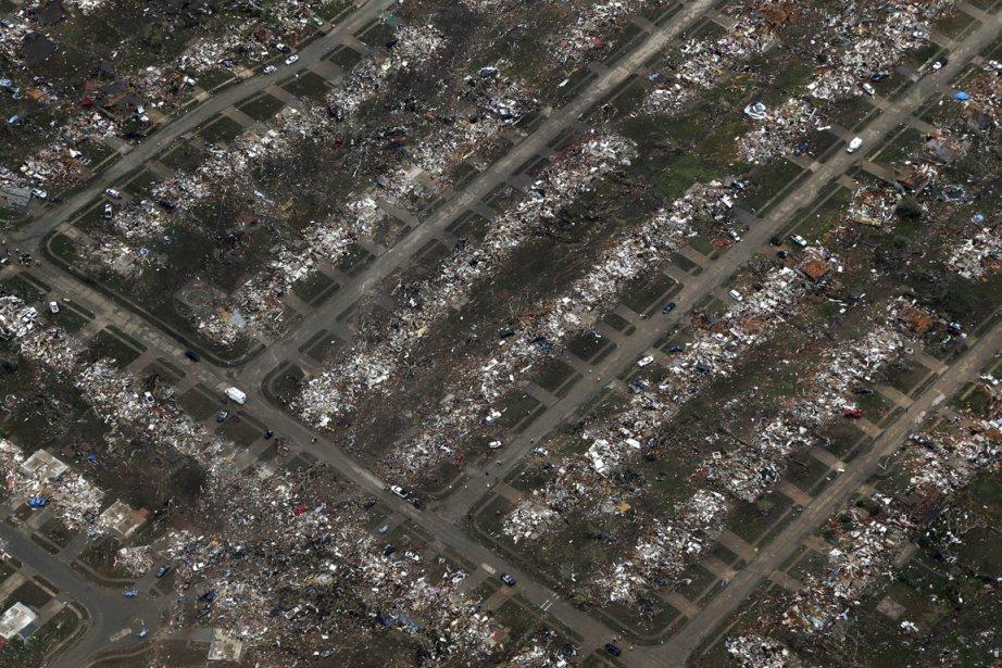 La recherche de survivants à la suite... (Photo Tony Gutierrez, Associated Press)