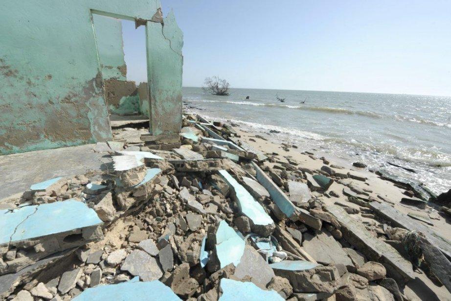Des maisons sont en ruines en raison de... (PHOTO SEYLLOU, AFP)