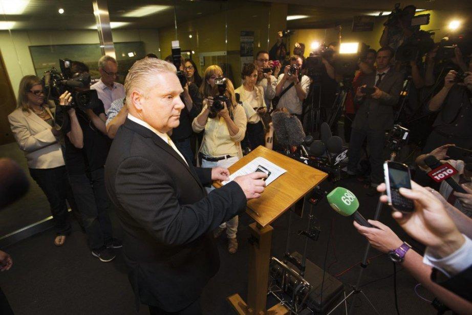 Lors d'une conférence de presse, le conseiller municipal... (Photo MARK BLINCH, REUTERS)