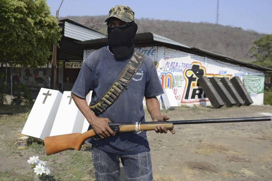 Un membre d'un groupe d'autodégense à Buenavista... (PHOTO ALFREDO ESTRELLA, AFP)