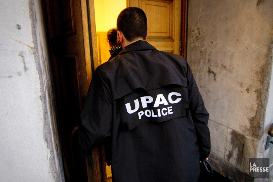 Les enquêteurs de l'Unité permanente anticorruption... (Photo archives La Presse)