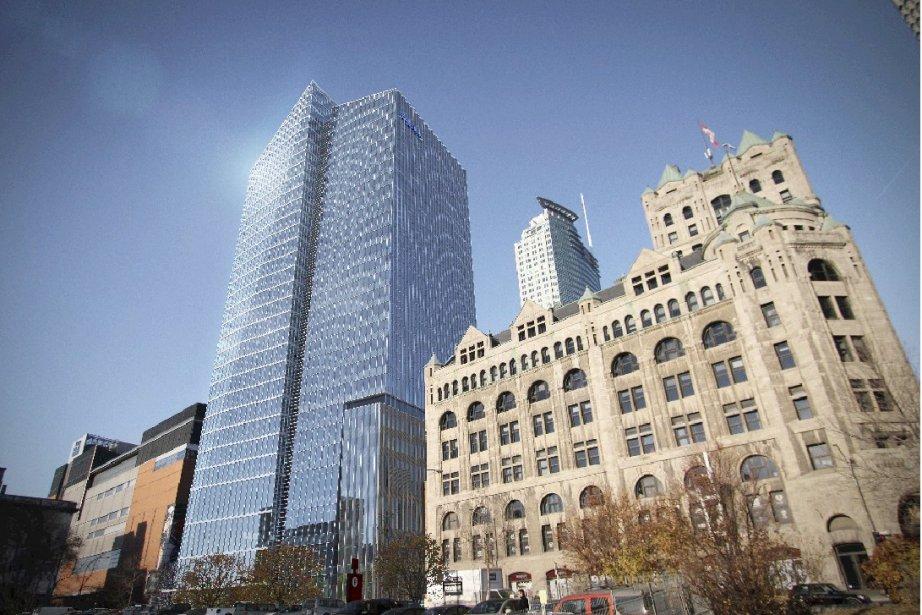 Deux tours debureauxsont en construction au centre-ville, soit... (Photo fournie par Cadillac Fairview)