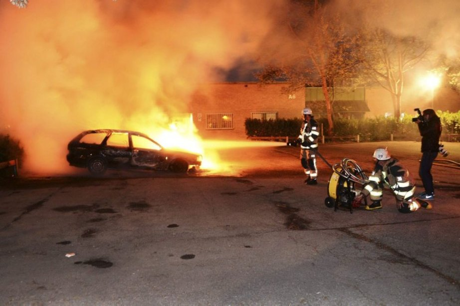 Les pompiers ont affirmé qu'ils n'avaient jamais vu... (Photo Fredrik Sandberg, Reuters)