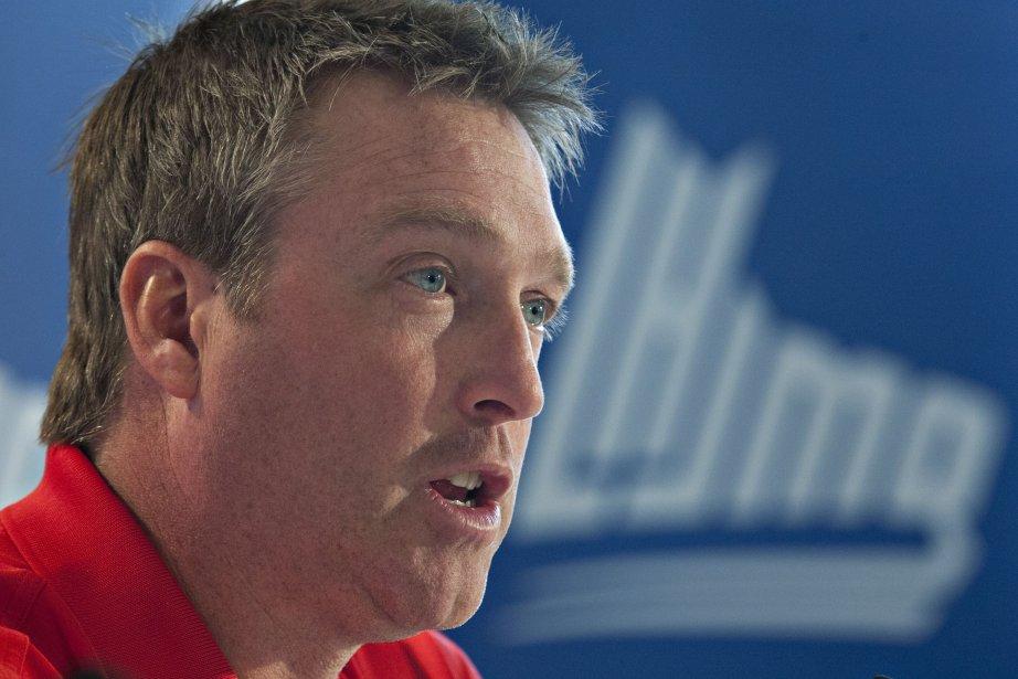 En plus du poste d'entraîneur-chef de l'Avalanche du... (Photo : Jacques Boissinot, archives La Presse Canadienne)