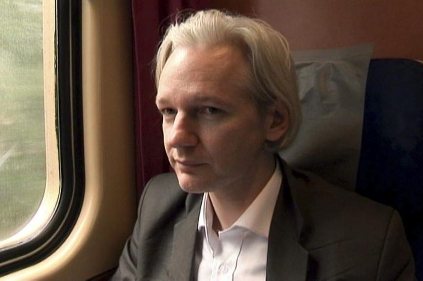 Julian Assange dans une scène de We Steal... (Photo: AP)