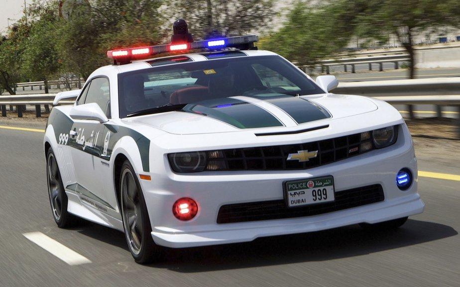 Cette Camaro SS est une des toutes récentes acquisitions de la police de Dubaï. (Photo fournie par la police de Dubaï)