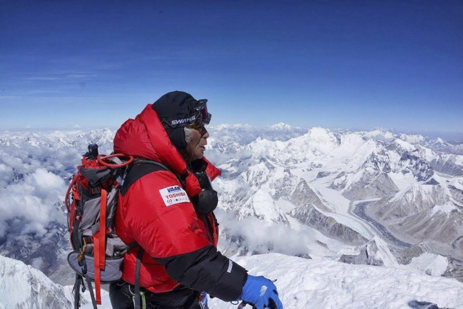 Yuichiro Miura, un ancien skieur extrême qui a... (Photo AFP)