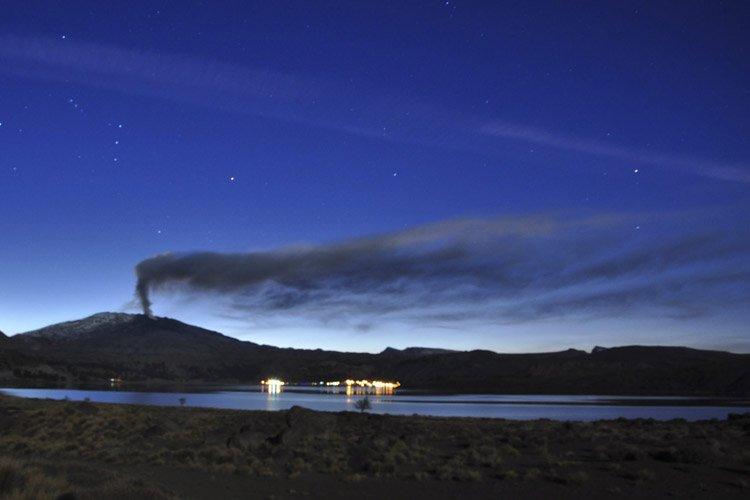 Les autorités chiliennes ont diffusé lundi une alerte rouge autour... (Photo: AP)