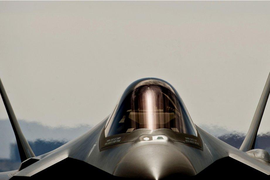 Le programme de développement du chasseur F-35, le... (PHOTO REUTERS)
