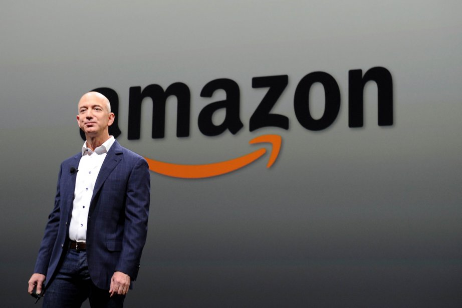 Le président d'Amazon.com Jeff Bezos.... (PHOTO JOE KLAMAR, AFP)