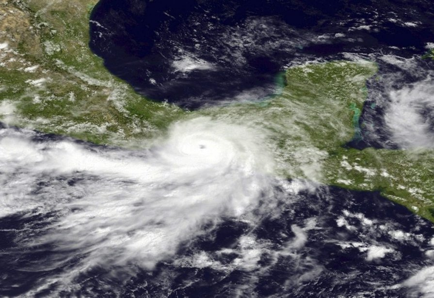 Image satellitaire de l'ouragan Barbara, sur la côte... (PHOTO AFP)