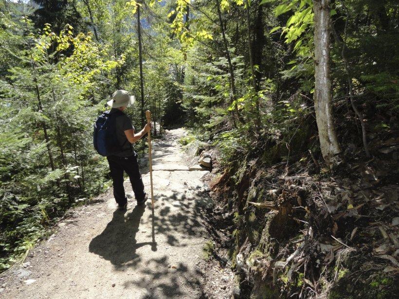 Parcourir 215 km à pied pour se rendre du Saguenay au Lac- Saint-Jean ?...
