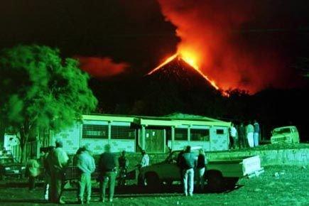 Des résients d'El Patrocinio, au Guatemala, observent le... (Photo: archives AFP)