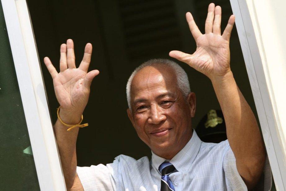 Le journaliste et militant Mam Sonando reprend son... (Photo Pring Samrang, Reuters)