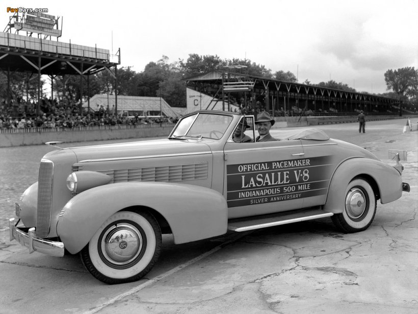 Certaines marques aujourd'hui disparues comme LaSalle, ont aussi servi de Pace Car à Indianapolis. (Photo courtoisie)