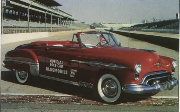 Oldsmobile a lancé un tout nouveau moteur V8 à culbuteurs en tête en 1949, ce fut utile pour faire le travail. (Photo courtoisie)