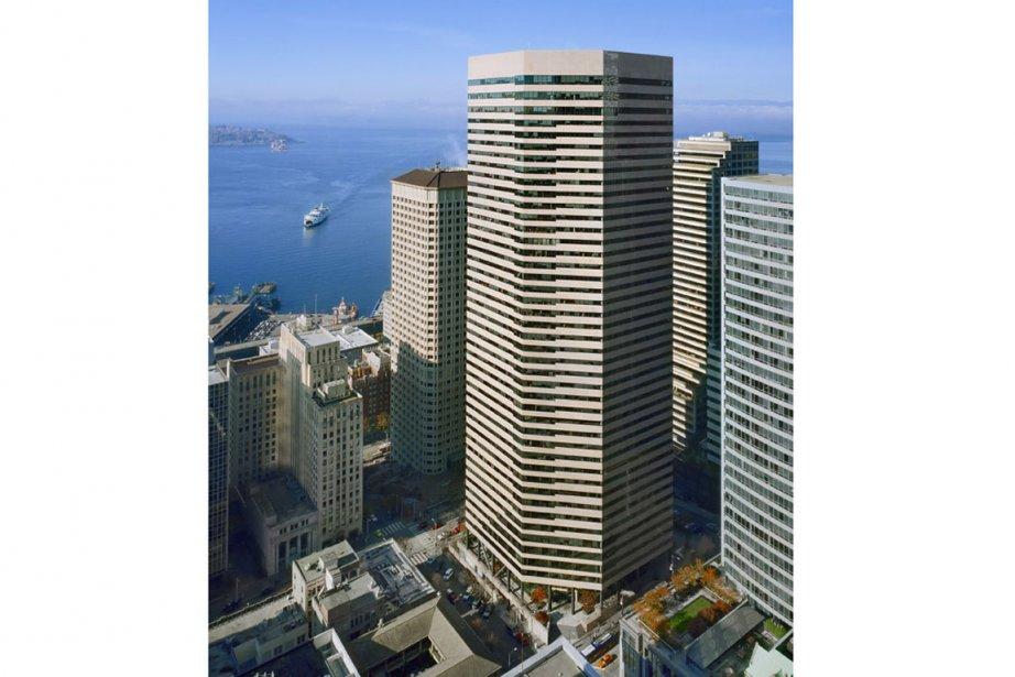 L'immeuble du Wells Fargo Center, à Seattle.... (Photo fournie)